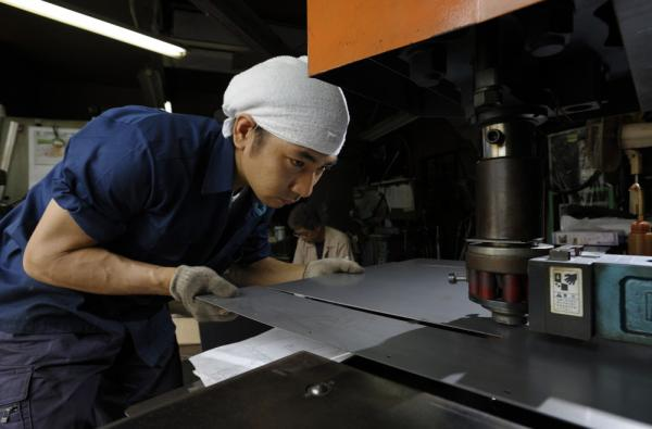 介绍铰链生产工艺的图片